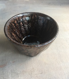 Test tumbler with glaze test using limonite and mudstone