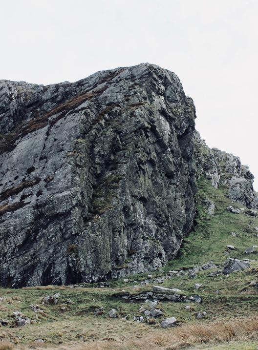 The metamorphic mudstone cliffs, south of Machir Bay